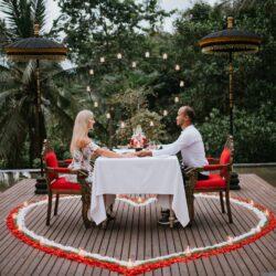 Romantic Diner 3